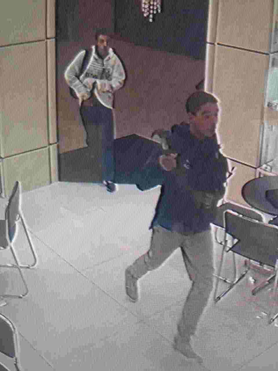 Criminosos foram flagrados durante assalto a joalheria dentro de shopping de Aparecida | Foto: Reprodução