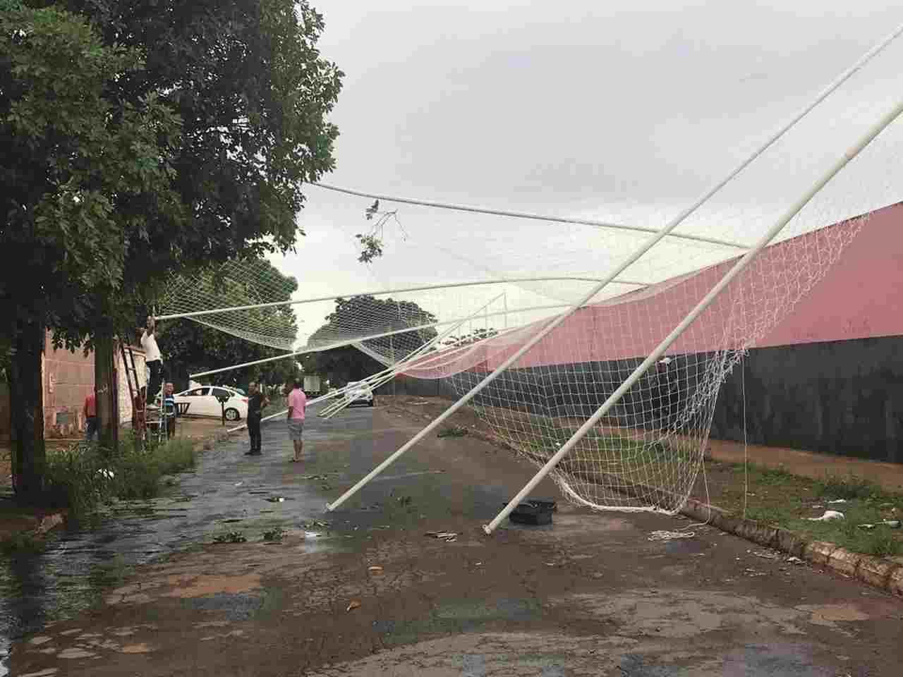 Alambrado do Centro de Treinamento do Atlético cai com as chuvas | Foto: divulgação