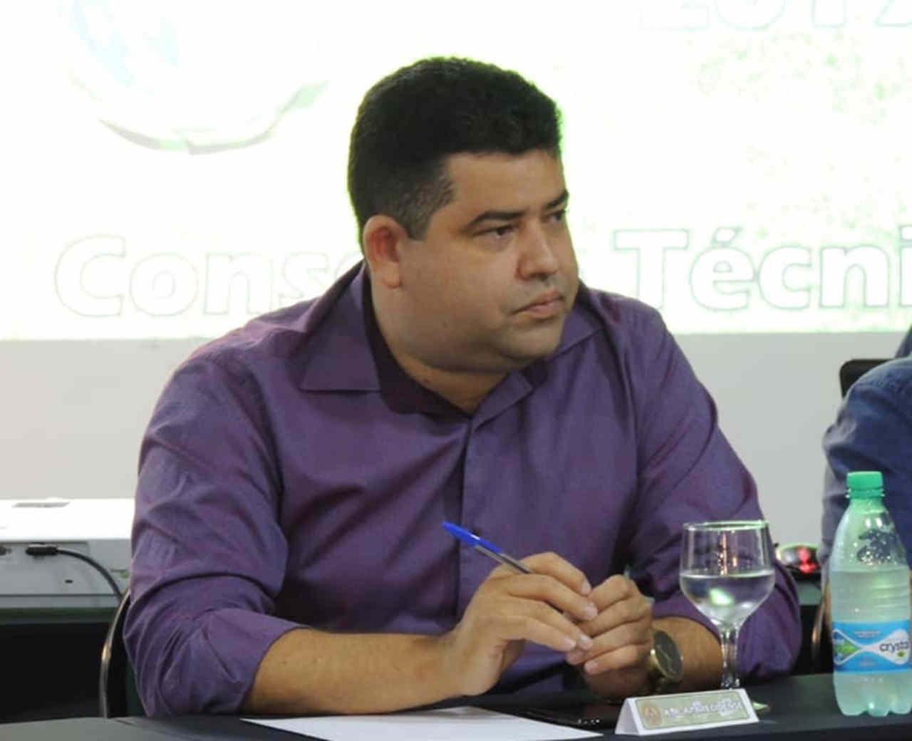 Aparecidense fecha com técnico e meia campeões pelo Vila Nova, conta presidente Elvis Mendes ao FZ   Foto: Marielly Dias