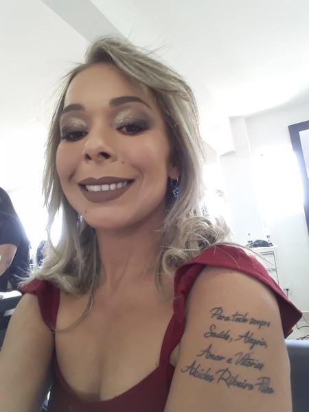 Daiana Silva tatuou frase em homenagem ao seu mentor   Foto: Arquivo Pessoal