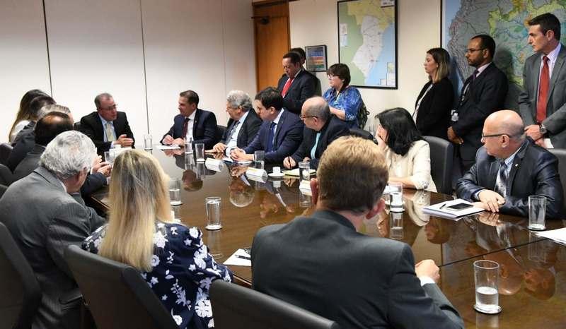 Deputados e senadores de Goiás se reúne com ministros de Bolsonaro   Foto: Divulgação