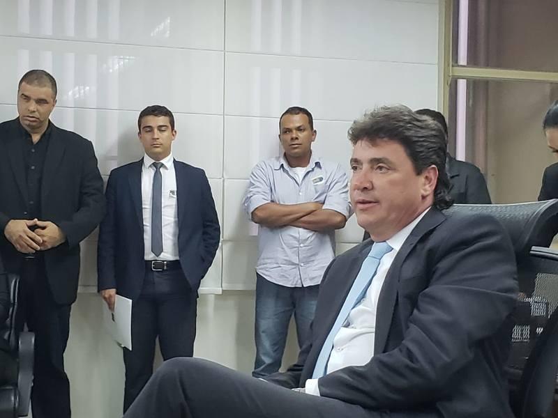Em conversa com representantes da Acirlag, Wilder Morais fala sobre de Aparecida de Goiânia   Foto: Folha Z