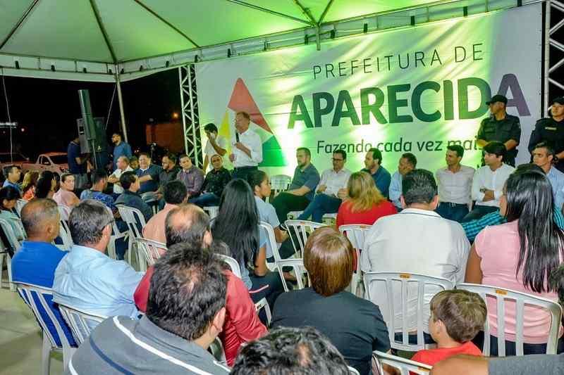 Inauguração da praça Geni Rodrigues Alves, no Buriti Sereno, na noite dessa segunda, 26   Foto: Divulgação / Prefeitura de Aparecida