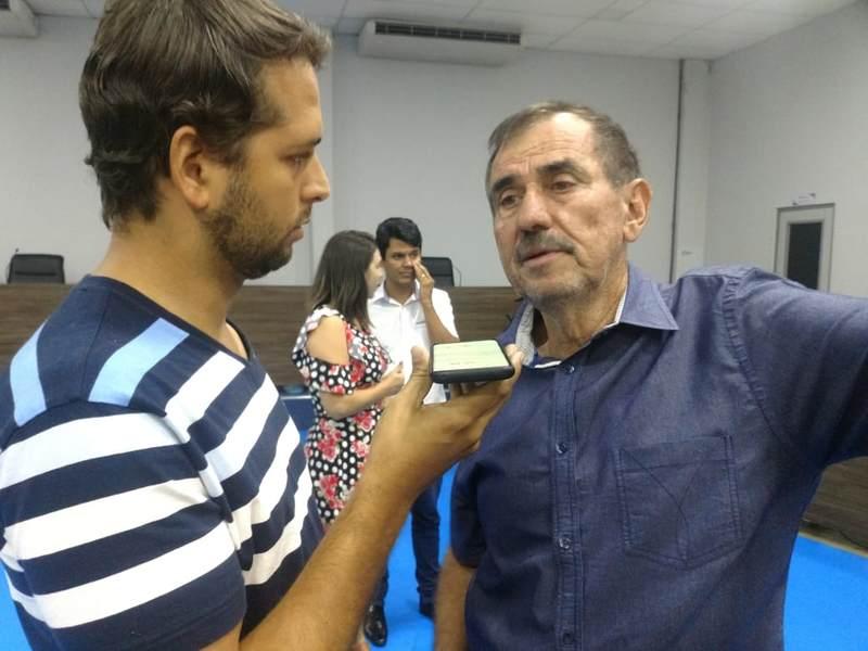 Presidente municipal do MDB,Léo Mendanha fala ao jornalista Guilherme Coelho, do Folha Z   Foto: Junior Kamenach