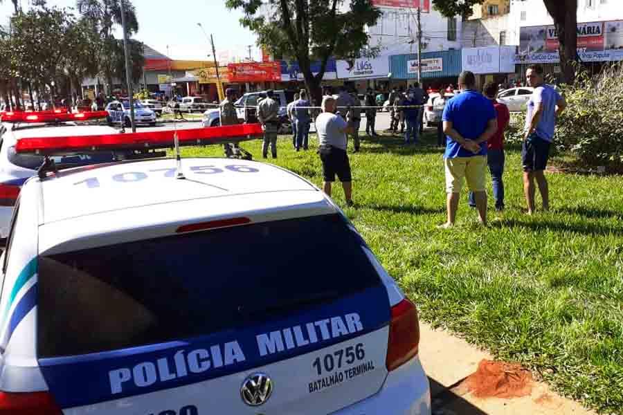 Polícia Militar isolou o local | Foto: Leitor/FZ