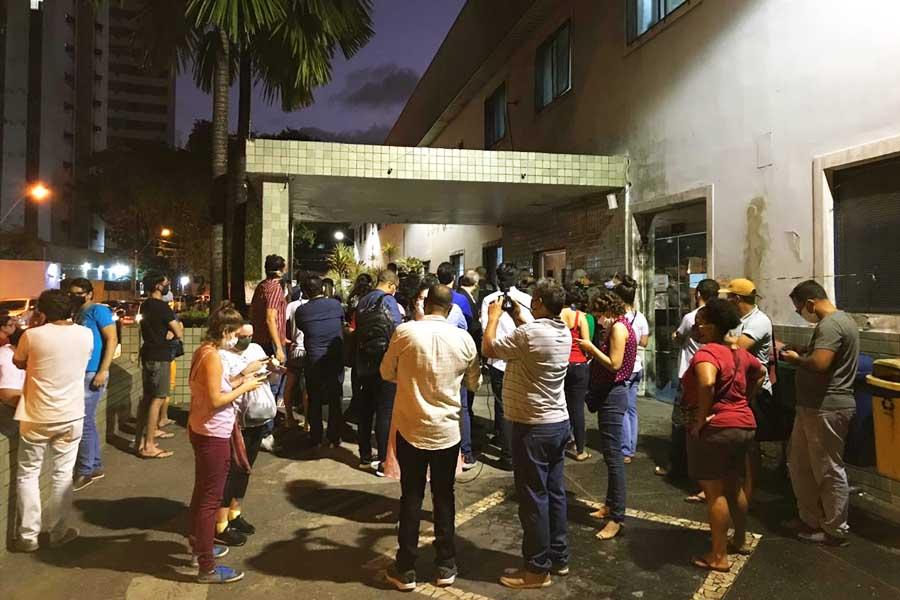 Grupos antiaborto convocaram protestos para impedir que a criança fosse atendida em hospital do Recife   Foto: Reprodução