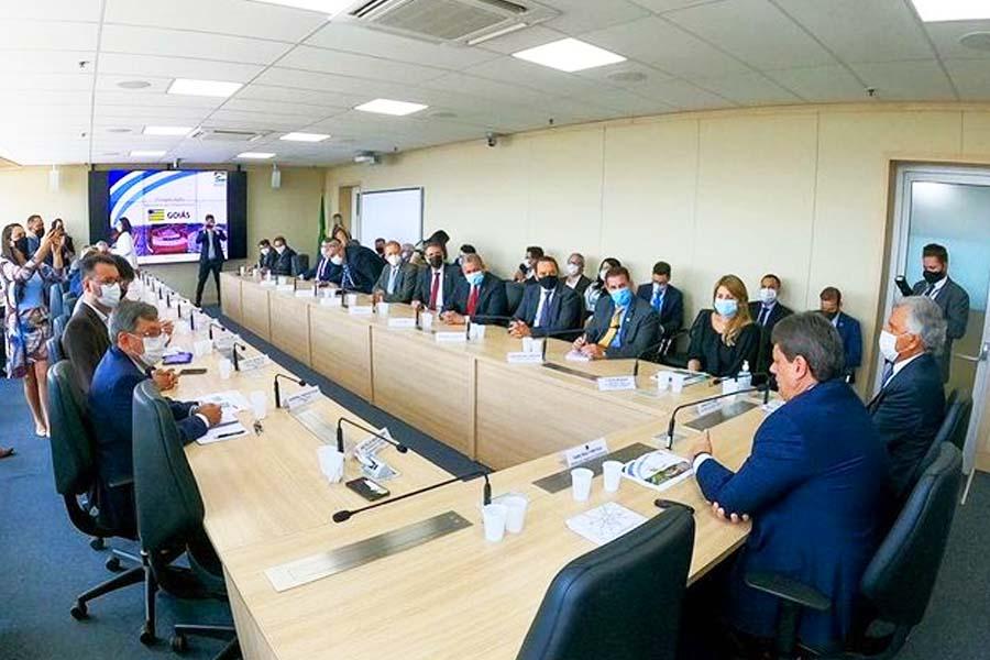 Prefeito Rogério Cruz e governador Ronaldo Caiado reúnem comitiva goiana para audiência com ministro Tarcísio Freitas em Brasília | Foto: Reprodução