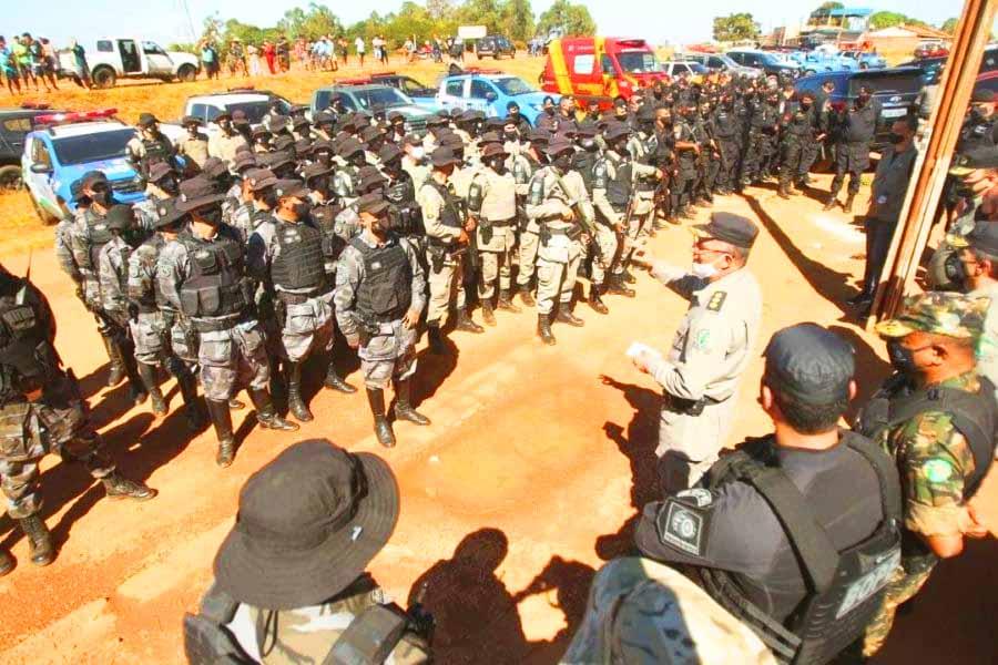 Centenas de policiais foram destacados para a captura de Lázaro Barbosa Sousa em Goiás | Foto: Fabio Lima